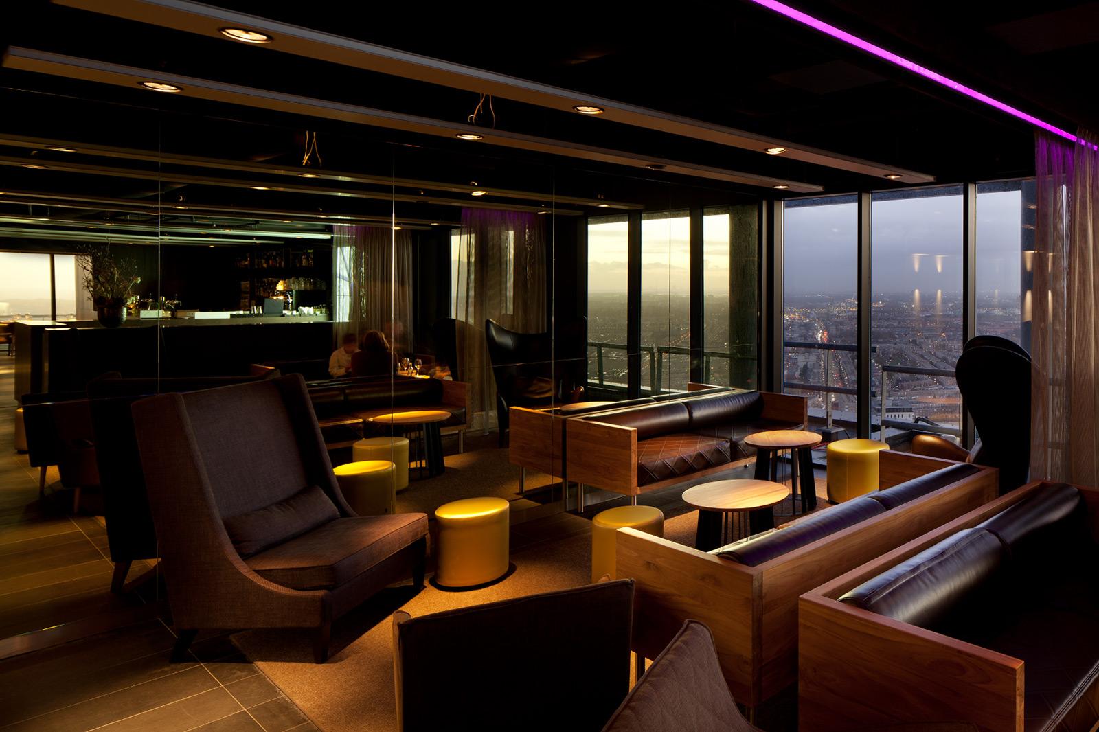 The penthouse restaurant skybar illumi illumi for Den haag restaurant
